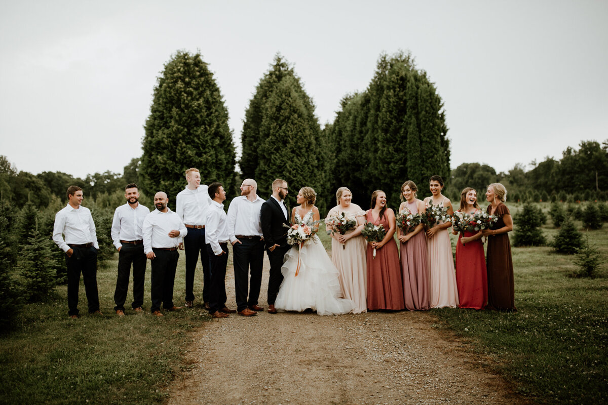 meg-thompson-photography-muncie-white-tail-tree-farm-wedding-michelle-kyle-48
