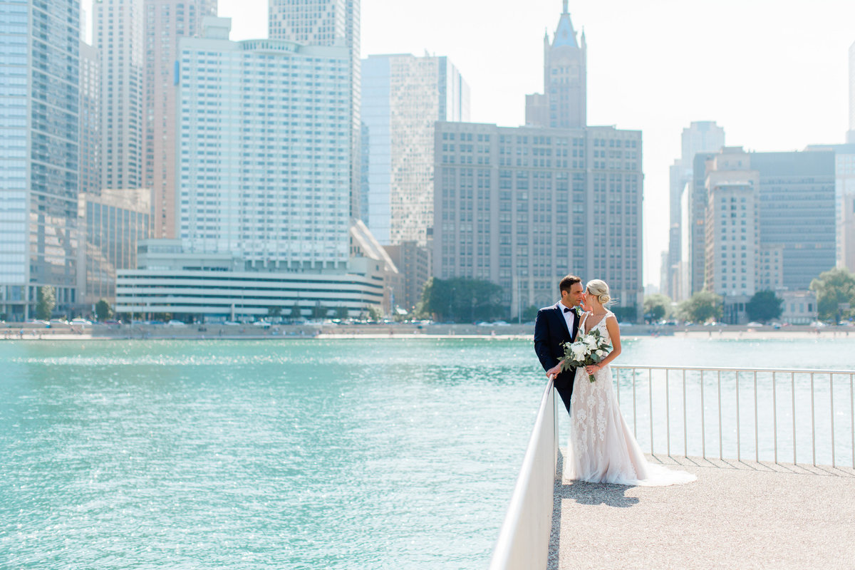 chicago-tribune-tower-wedding-nicole-jason-412