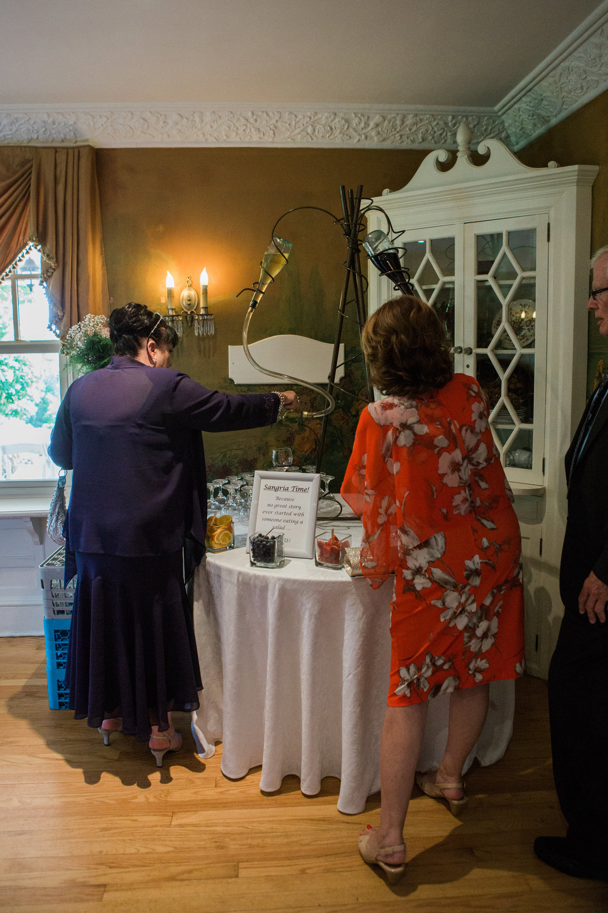 Burlington-wedding-photographer-paletta-mansion-guests-at-bar