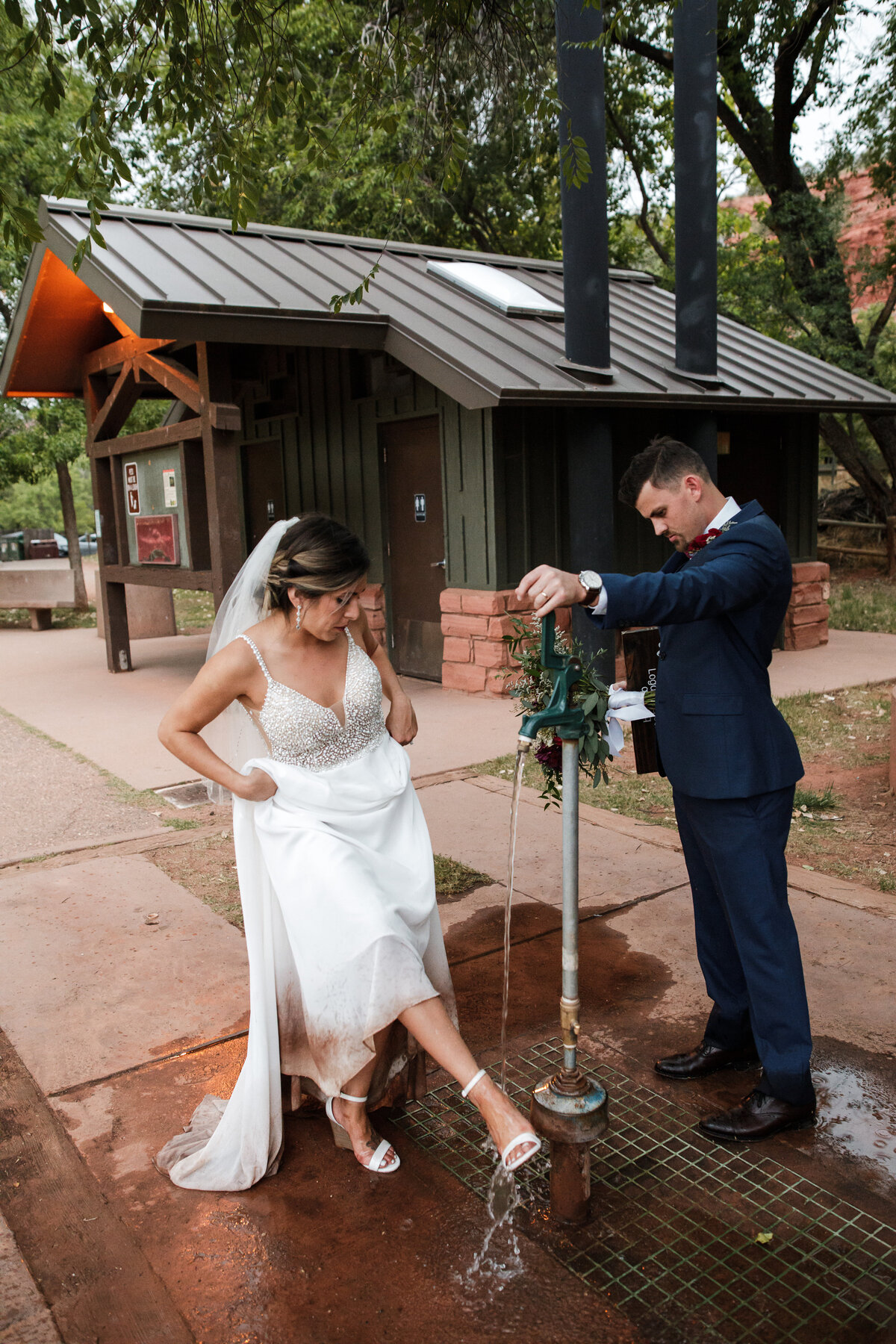 Sedona-Arizona-Elopement-Cathedral-Rock-Destination-Wedding-Photographer-151
