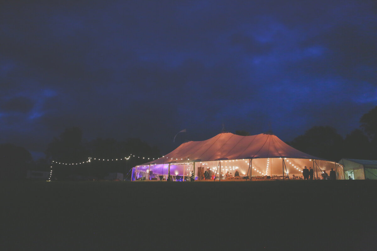 YORKSHIRE-WEDDING-LOTS-OF-LAUGHTER-MARQUEE-AND-CHUCH-0105