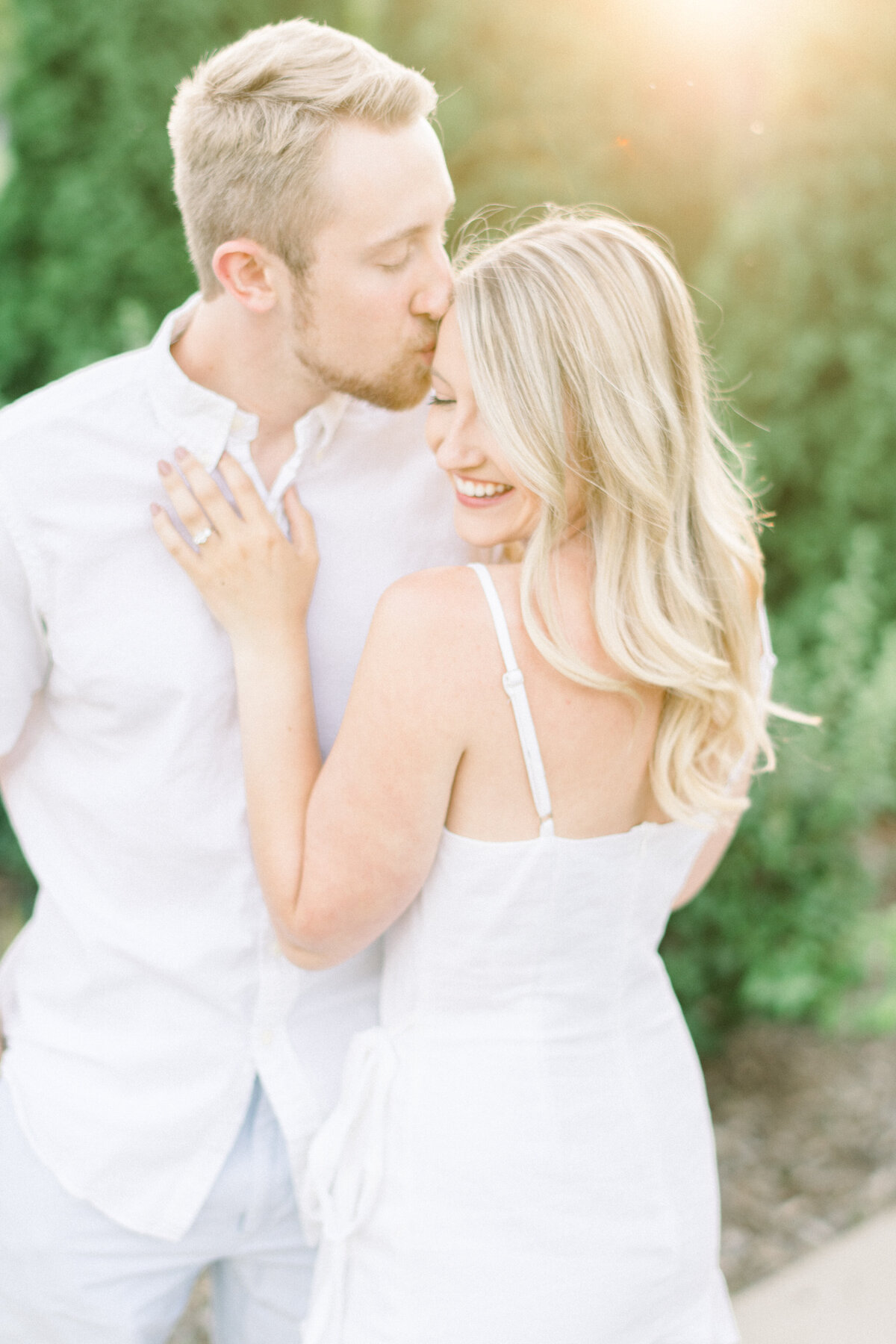 Minneapolis Wedding Photographer, Minneapolis Luxury Photogrpaher, Minnesota wedding photographer, Minneapolis light and airy photographer, luxury wedding photographer, minneapolis engagement photos