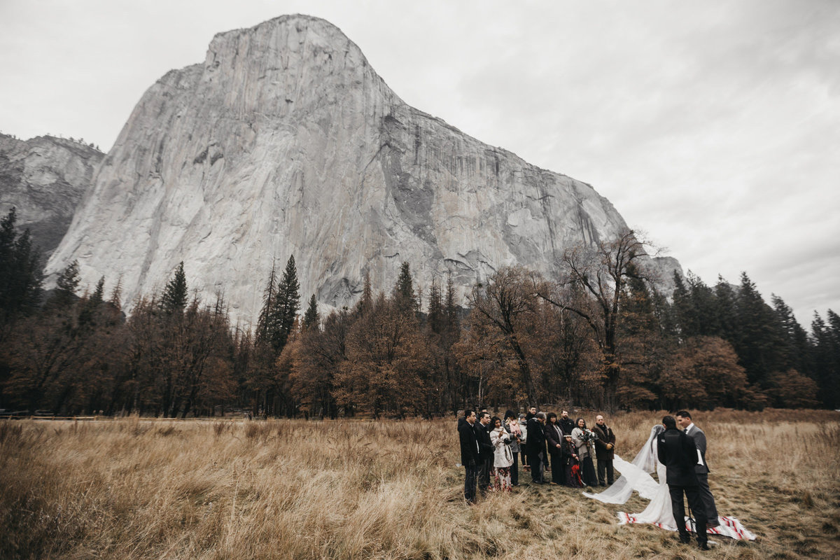 athena-and-camron-how-to-elope-in-yosemite-valley-ceremony11