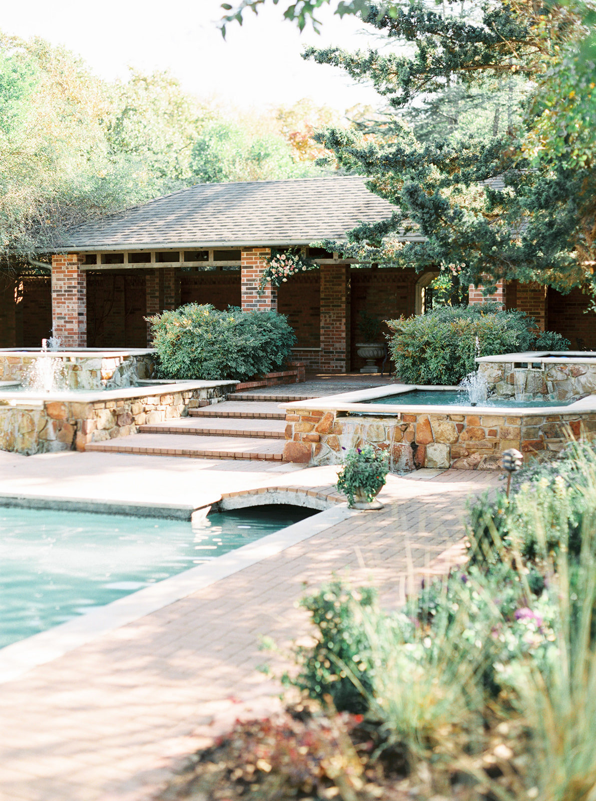 Romantic Garden Party at Clark Gardens Dallas Wedding (5)