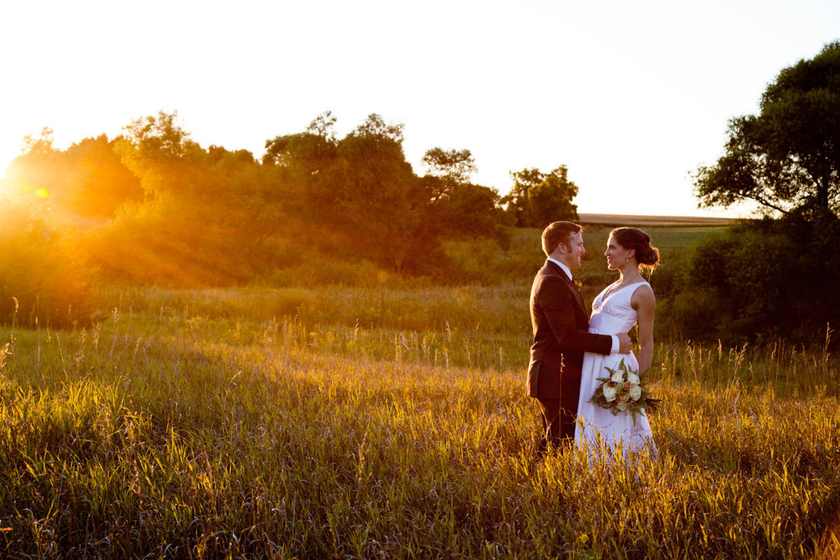 sioux falls wedding photography bride and groom outdoor sunset embrace south dakota