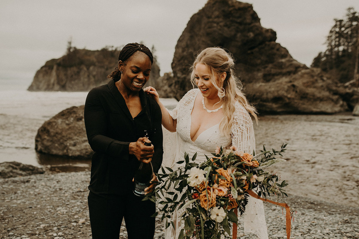 Ruby_Beach_Styled_Elopement_-_Run_Away_with_Me_Elopement_Collective_-_Kamra_Fuller_Photography_-_Champagne-25