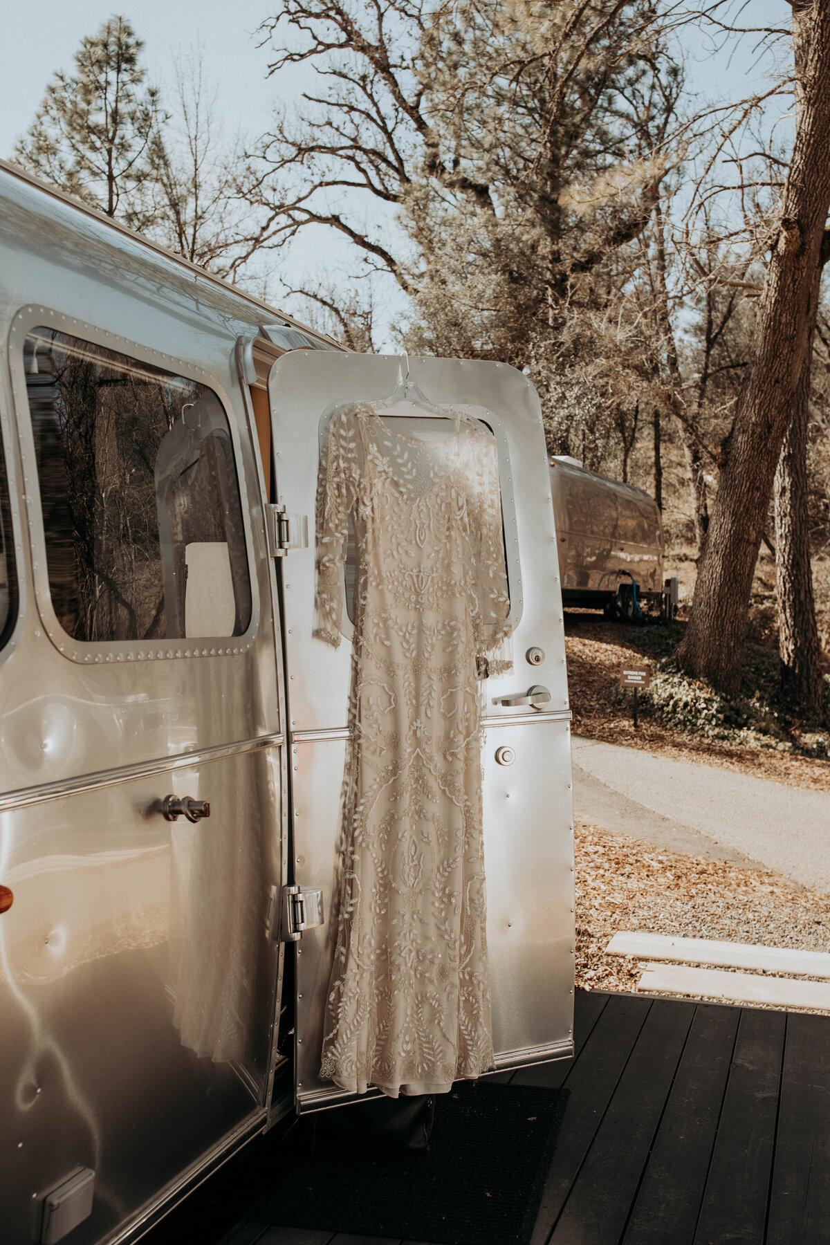 airstream-boho-elopement-in-yosemite-california-59