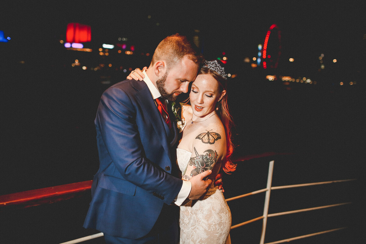 THE-YACHT-LONDON-WEDDING-BOAT-WINDY-TATOO-BRIDE-0100