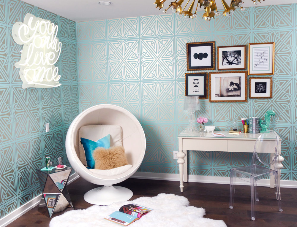Glamour-Nest-Encino-Playful-Glamour-Interior-Teen-Bedroom-08