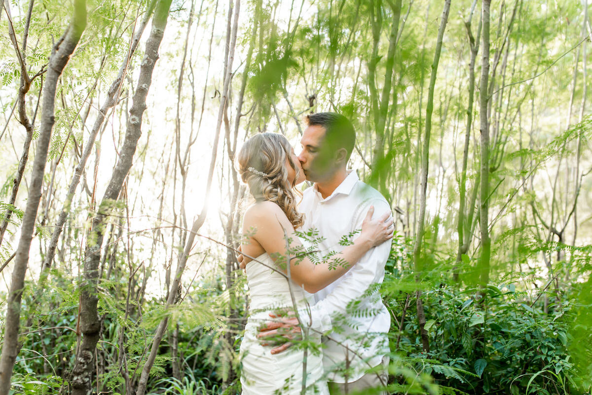 wedding photographer in kauai, Hawaii