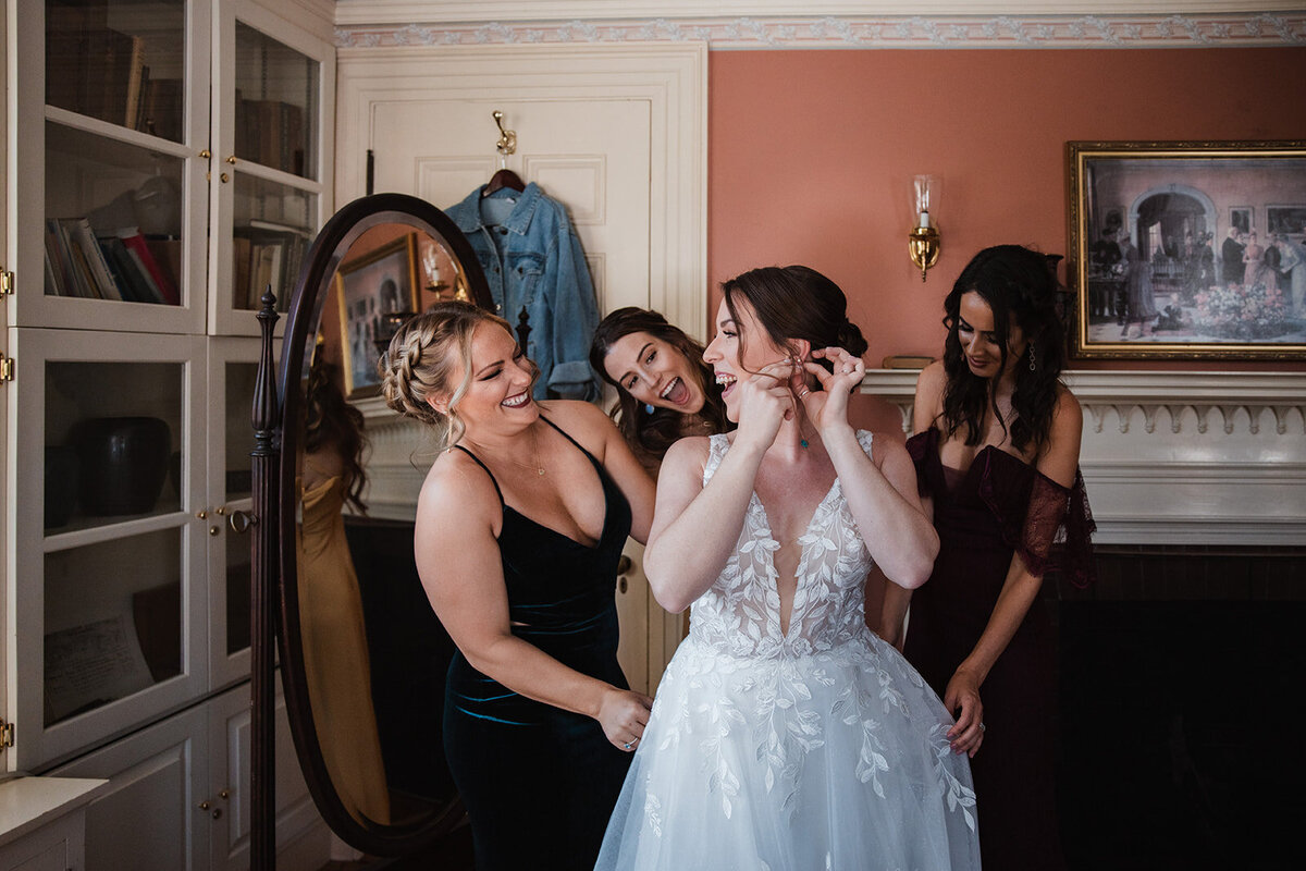 Julia&Daniel_BridalPrep-36