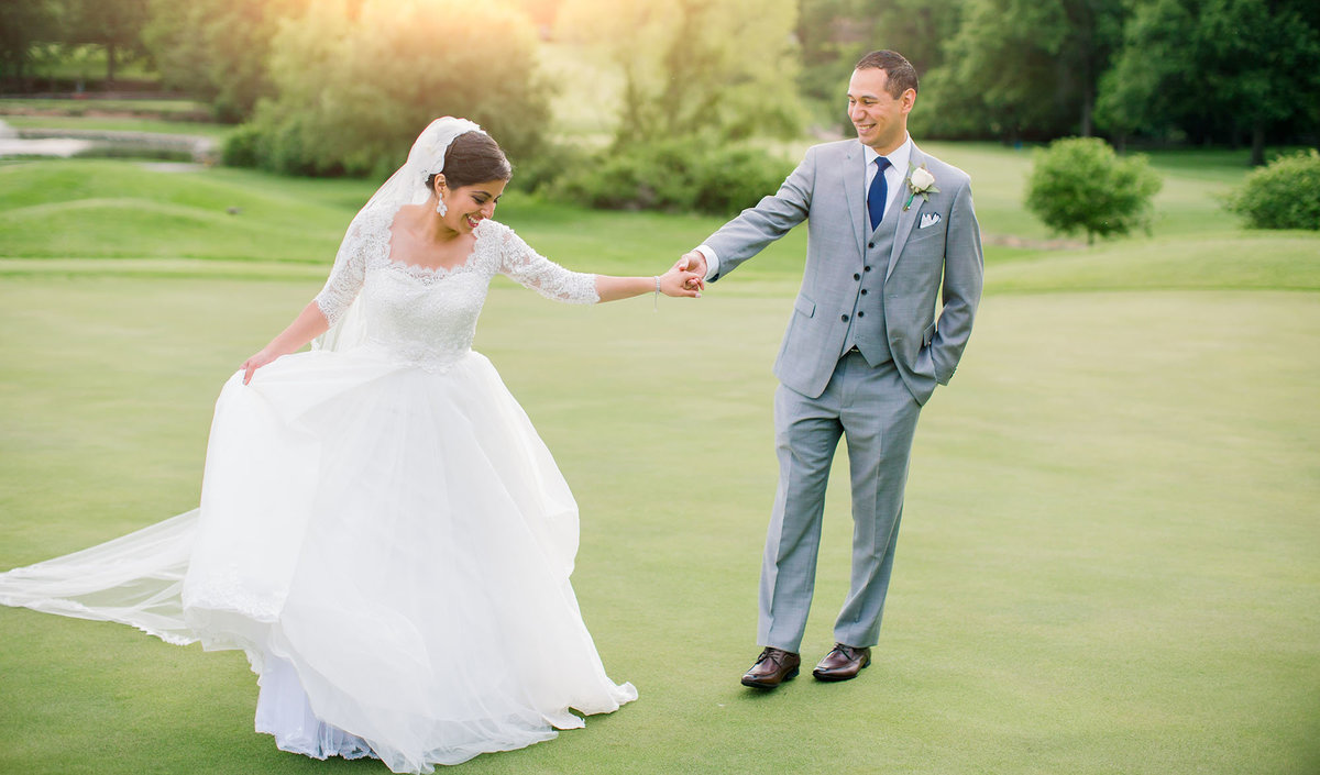 Golf course and clubhouse wedding photos in St Louis Missouri