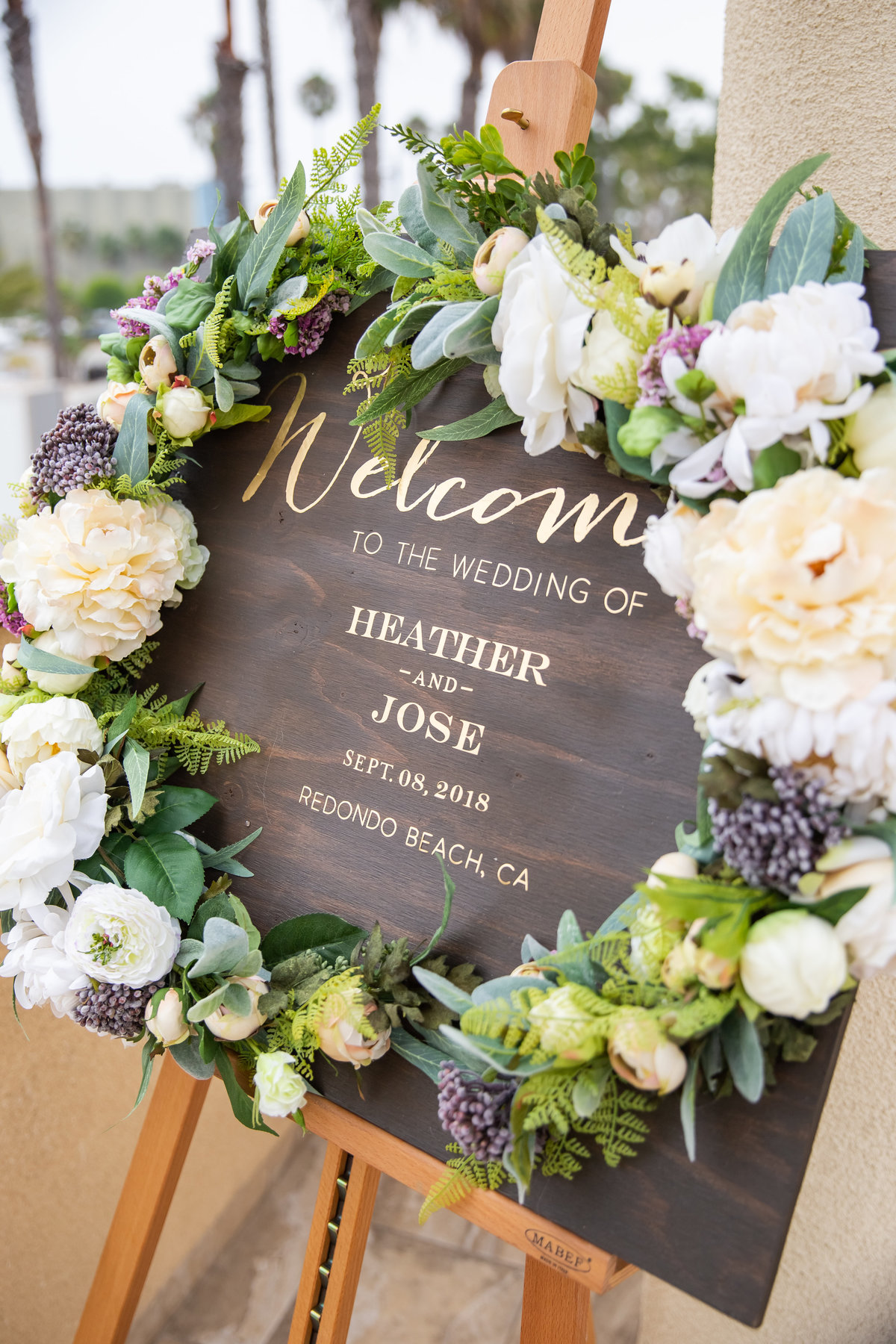 welcome-sign-wedding-details-the-redondo-beach-hotel-wedding-california-coastal