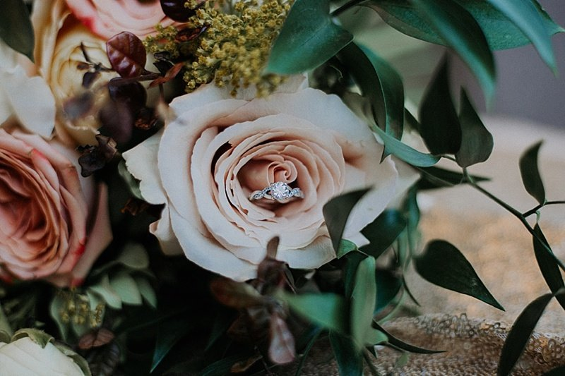 Omaha-Nebraska-Hotel-Deco-geometric-emerald-and-gold-wedding-inspiration-by-Lindsay-Elizabeth-Events47
