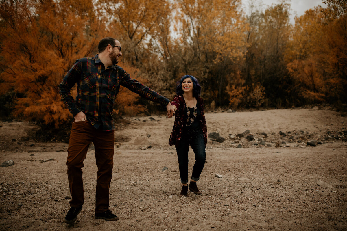 anniversary-photo-shoot-fall-bosque-albuquerque-7