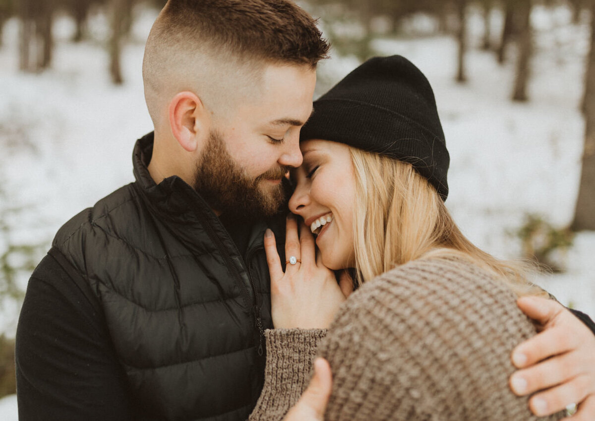 liv_hettinga_photography_snowy_mountain_engagement-8