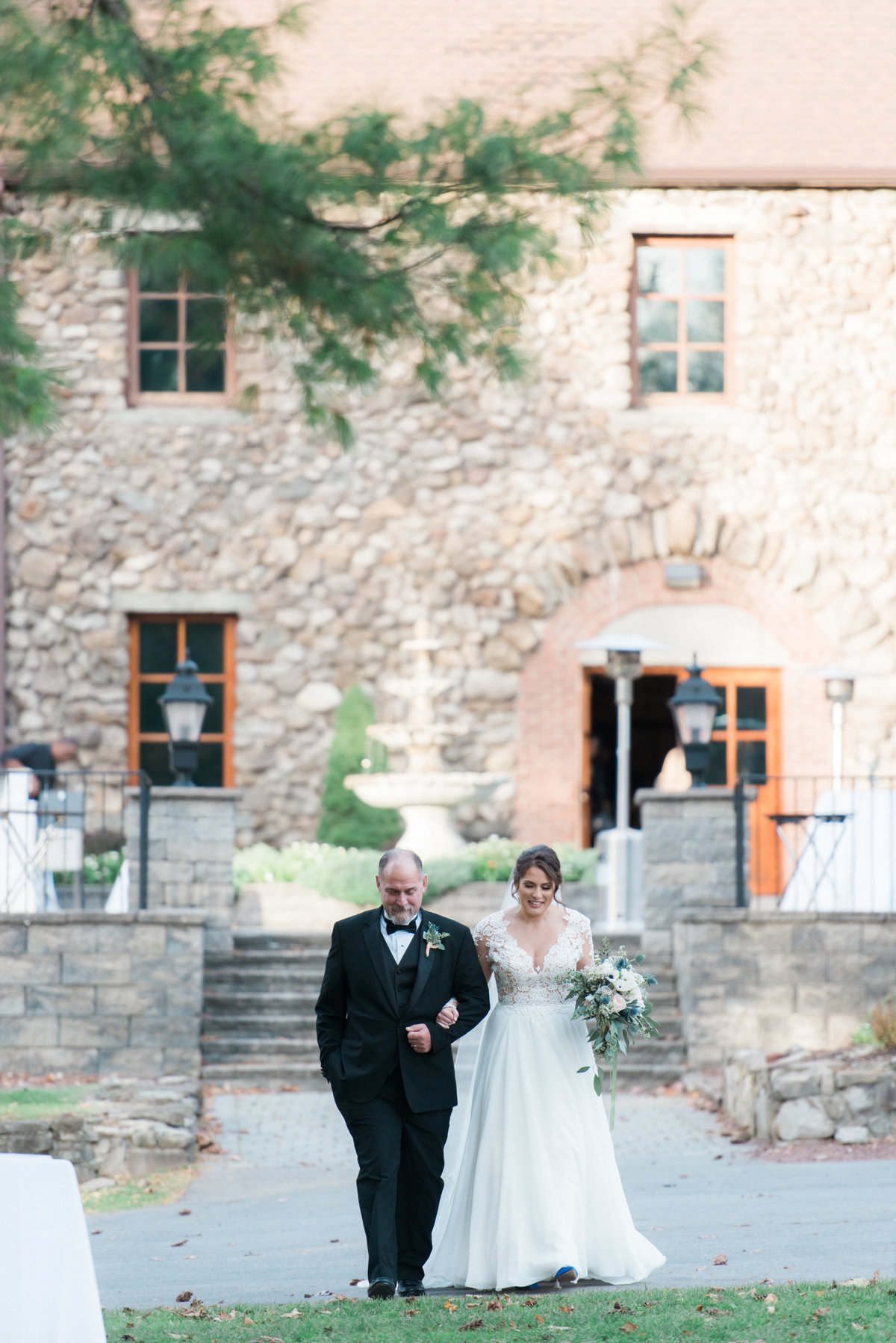 hudson-valley-new-york-wedding-photographer-nicole-detone-photography-brotherhood-winery-caitlin-philip_99