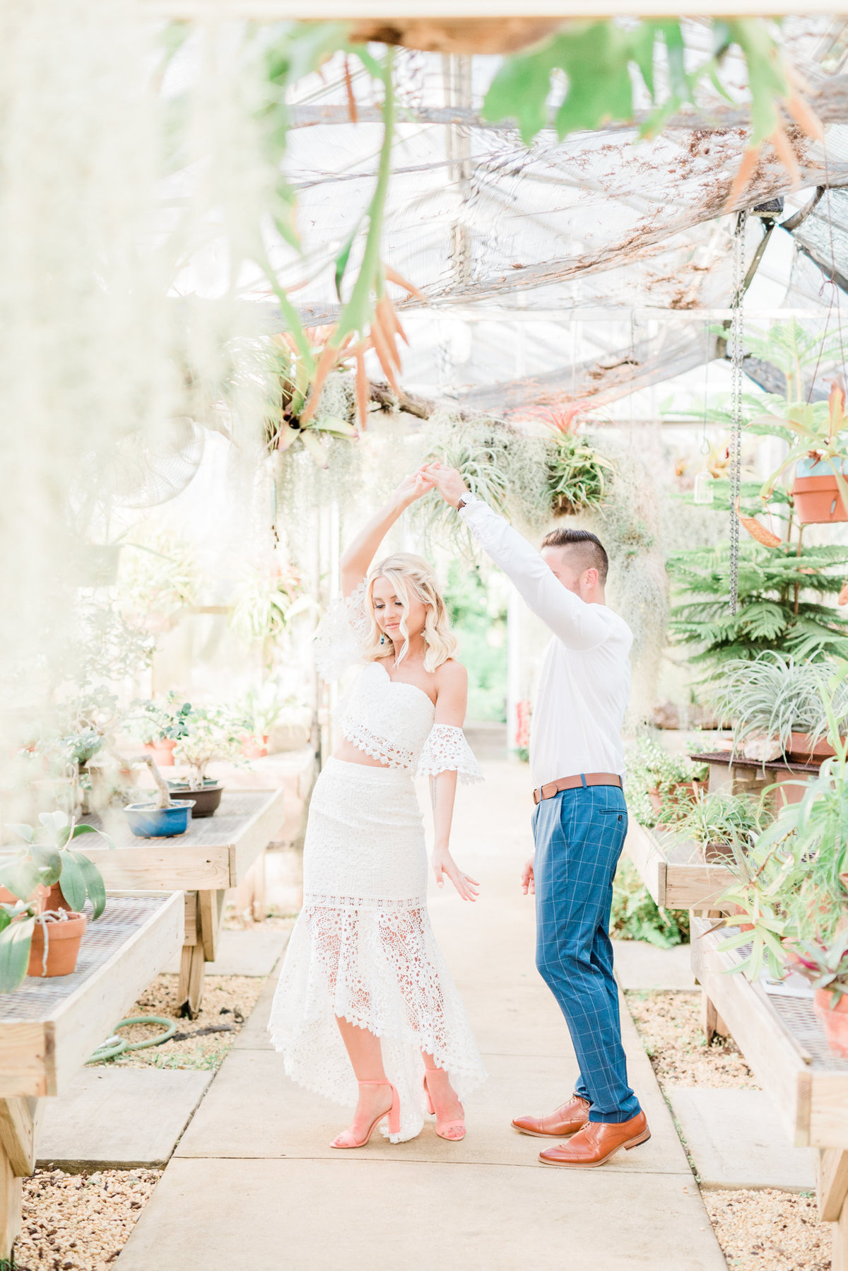 nj-wedding-photographer-engagement-session-greenhouse-deep-cut-gardens-photo-007