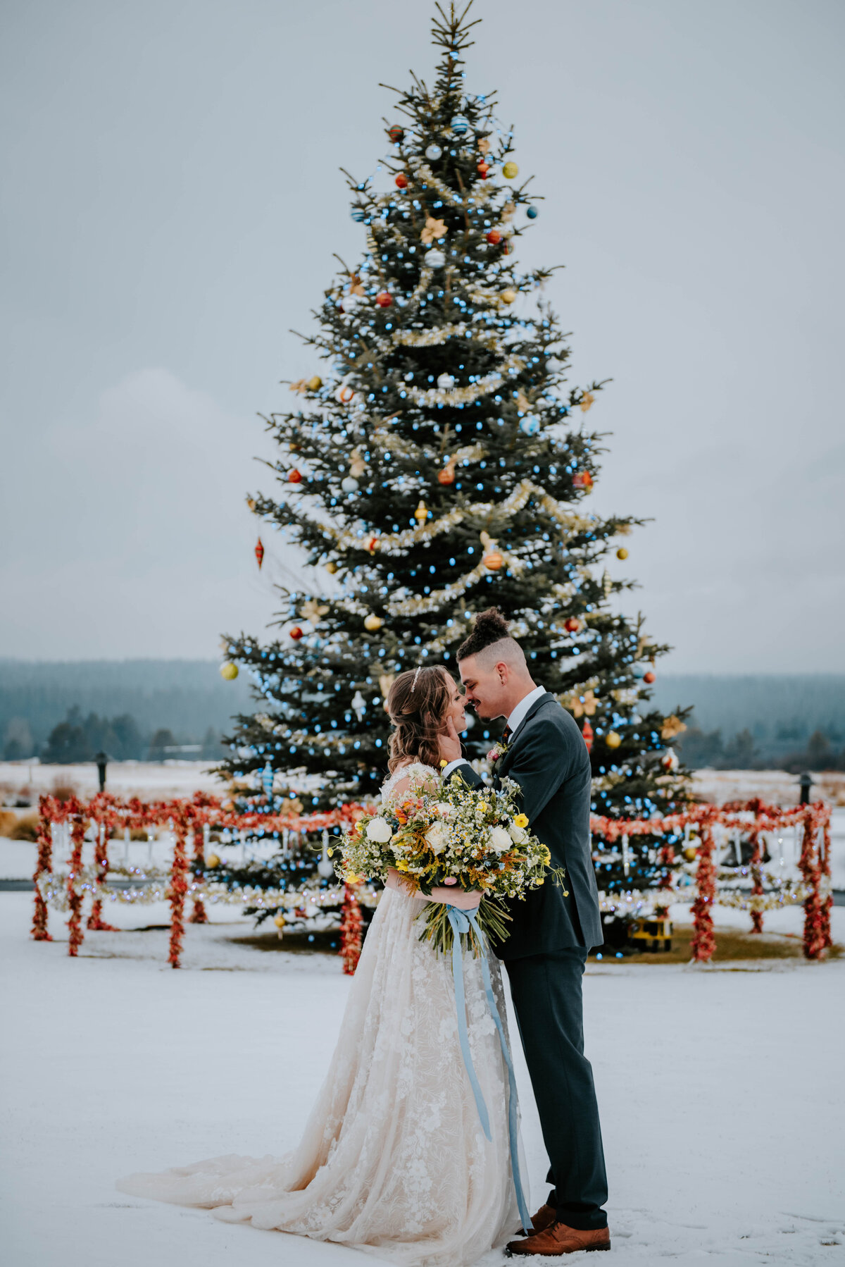 sunriver-resort-oregon-wedding-venue-christmas-elopement-photographer-destination-1733