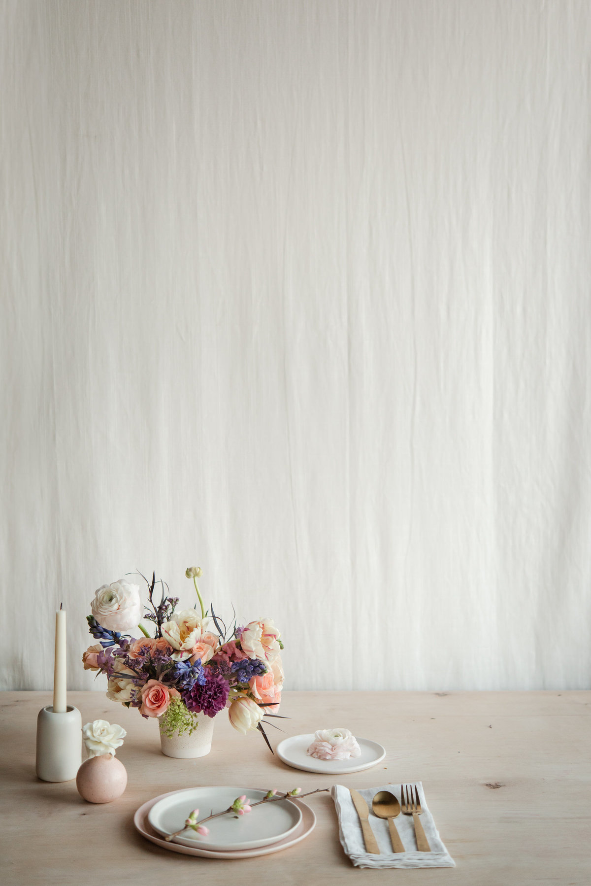 everbloom designs and paper and clay tablescape