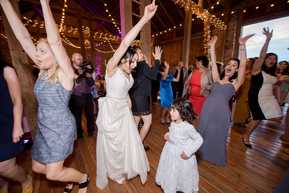 Rustic Barn Wedding Pennsylvania-Rodale Institute Wedding Raquel and Daniel Wedding 20335-54