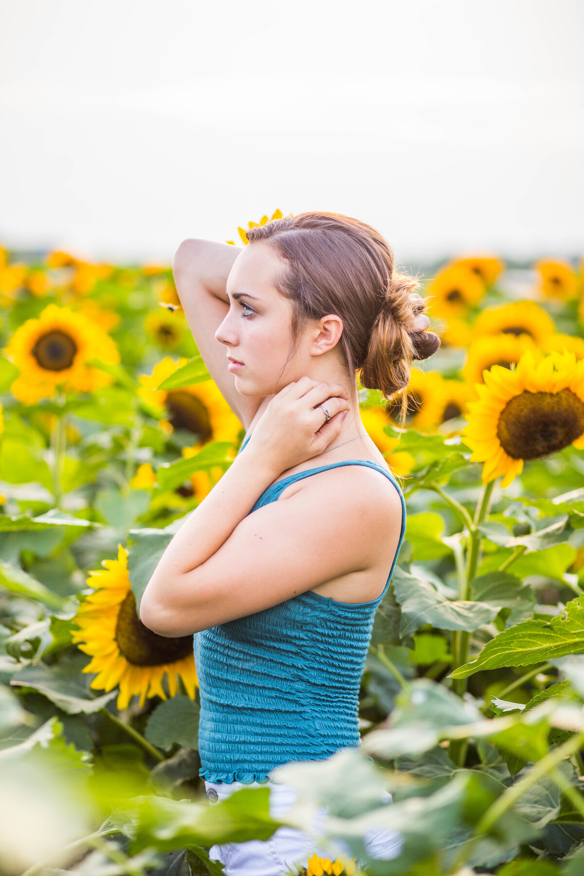 Victor-New-York-Teen-pictures-sunflowers-Carrie-Eigbrett-Photography-3004