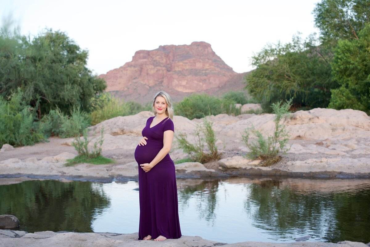 pregnant mom to be in the desert