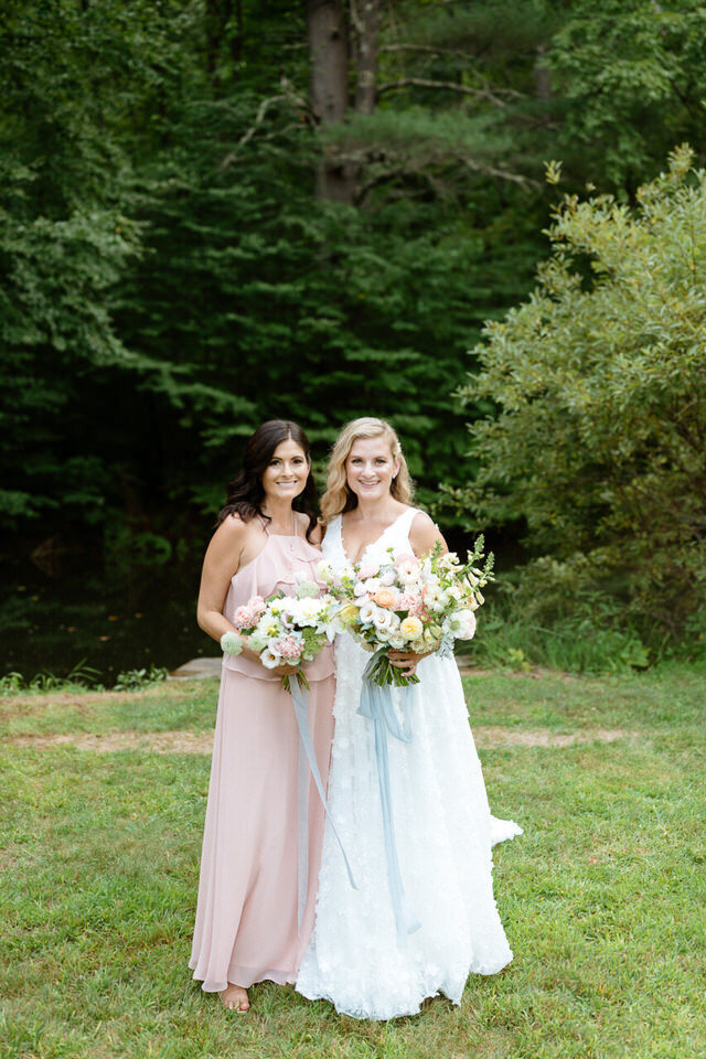 Catskills-Wedding-Planner-Foxfire-Mountain-House-Wedding-Canvas-Weddings-Bride-and-Bridesmaid