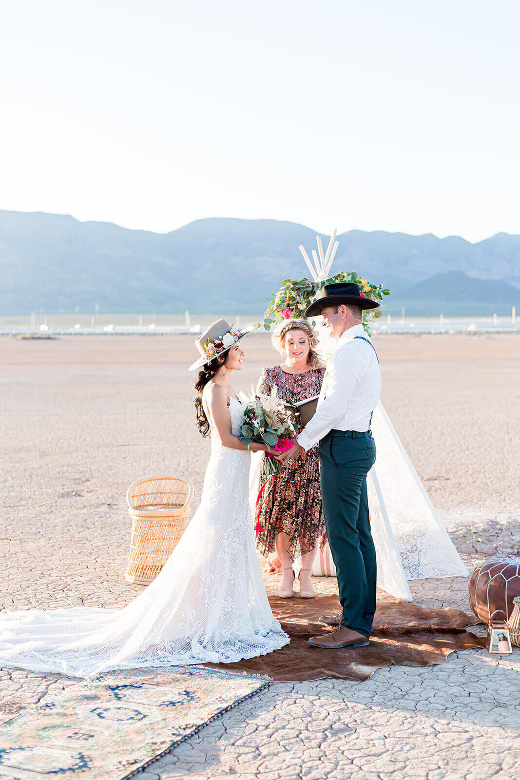las-vegas-elopement-photography-at-the-dry-lake-bed