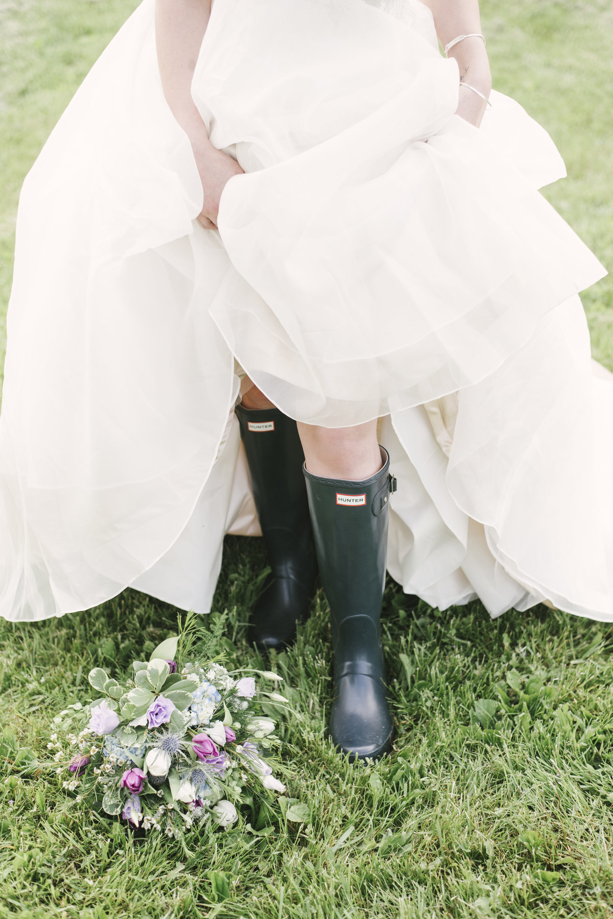 Monica-Relyea-Events-Alicia-King-Photography-Globe-Hill-Ronnybrook-Farm-Hudson-Valley-wedding-shoot-inspiration20