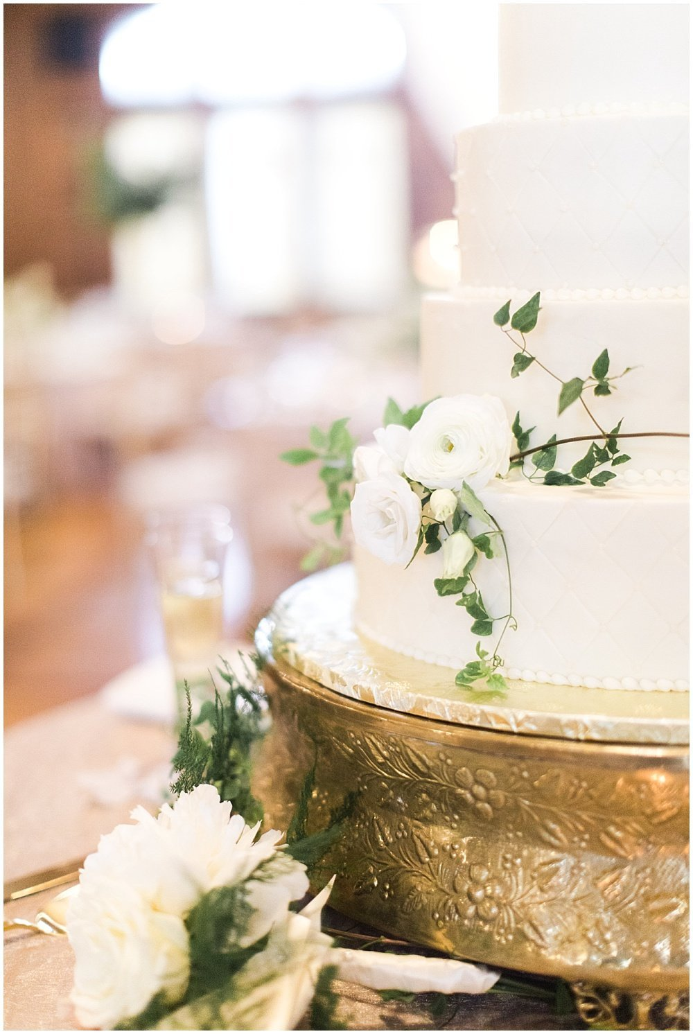 Spring-Scottish-Rite-Cathedral-Neutral-Gold-Ivory-Greenery-Floral-Indianapolis-Wedding-Ivan-Louise-Images-Jessica-Dum-Wedding-Coordination_photo_0019
