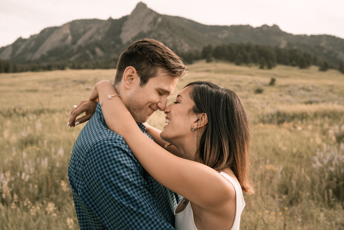 alex-and-owen-boulder-colorado-engagement-session-chautauqua-park-09521