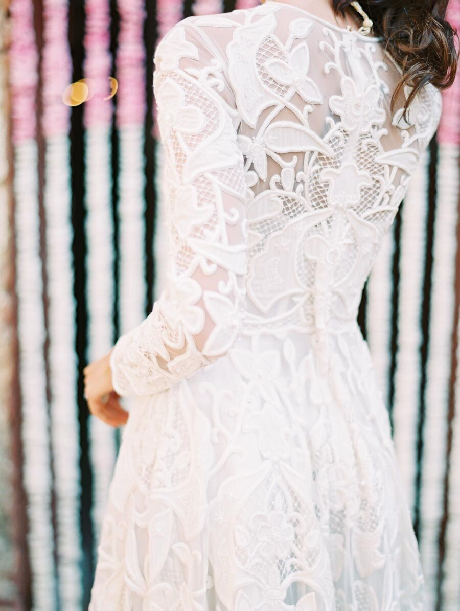Naeem Khan Wedding Dress White Lace Indian Wedding Photographer Bonnie Sen Photography