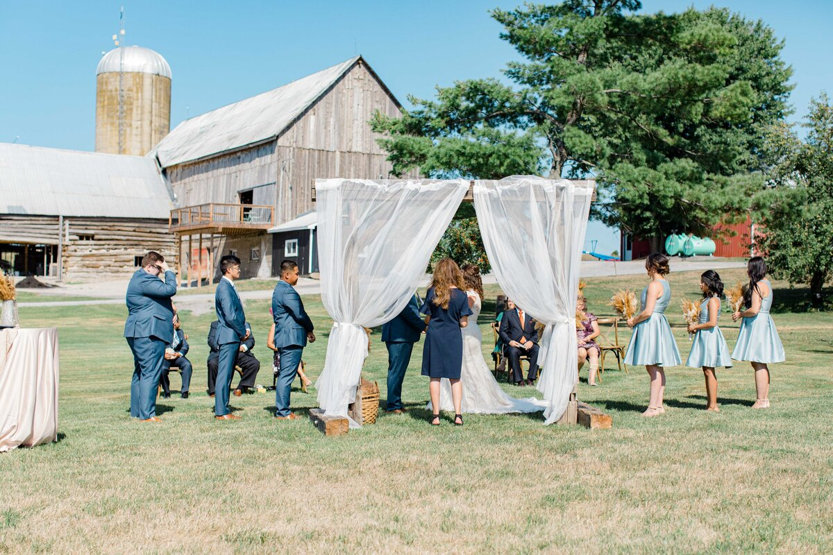 laura-ben-campbell-farm-white-lake-wedding-grey-loft-studio-2020-70