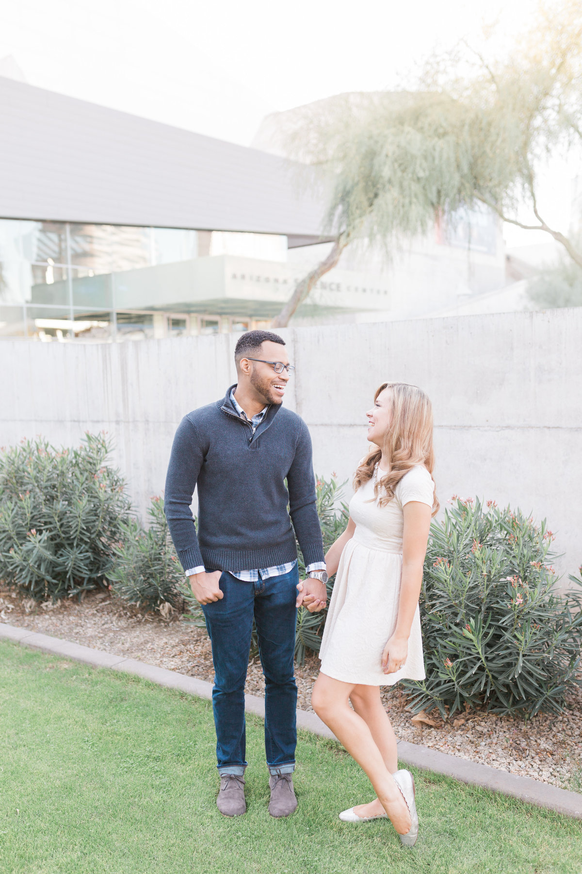 Modern_Museum_Phoenix_Engagement_Session-3