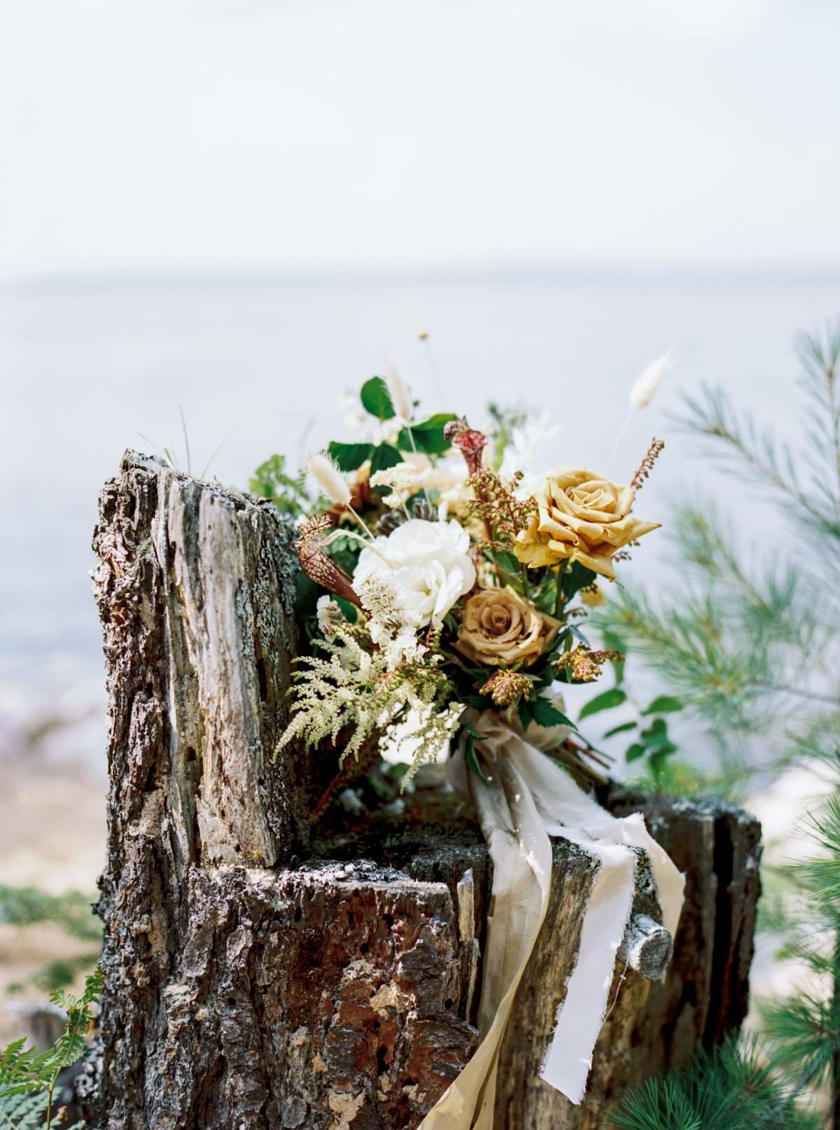 michigan-woodland-bridal-bouquet