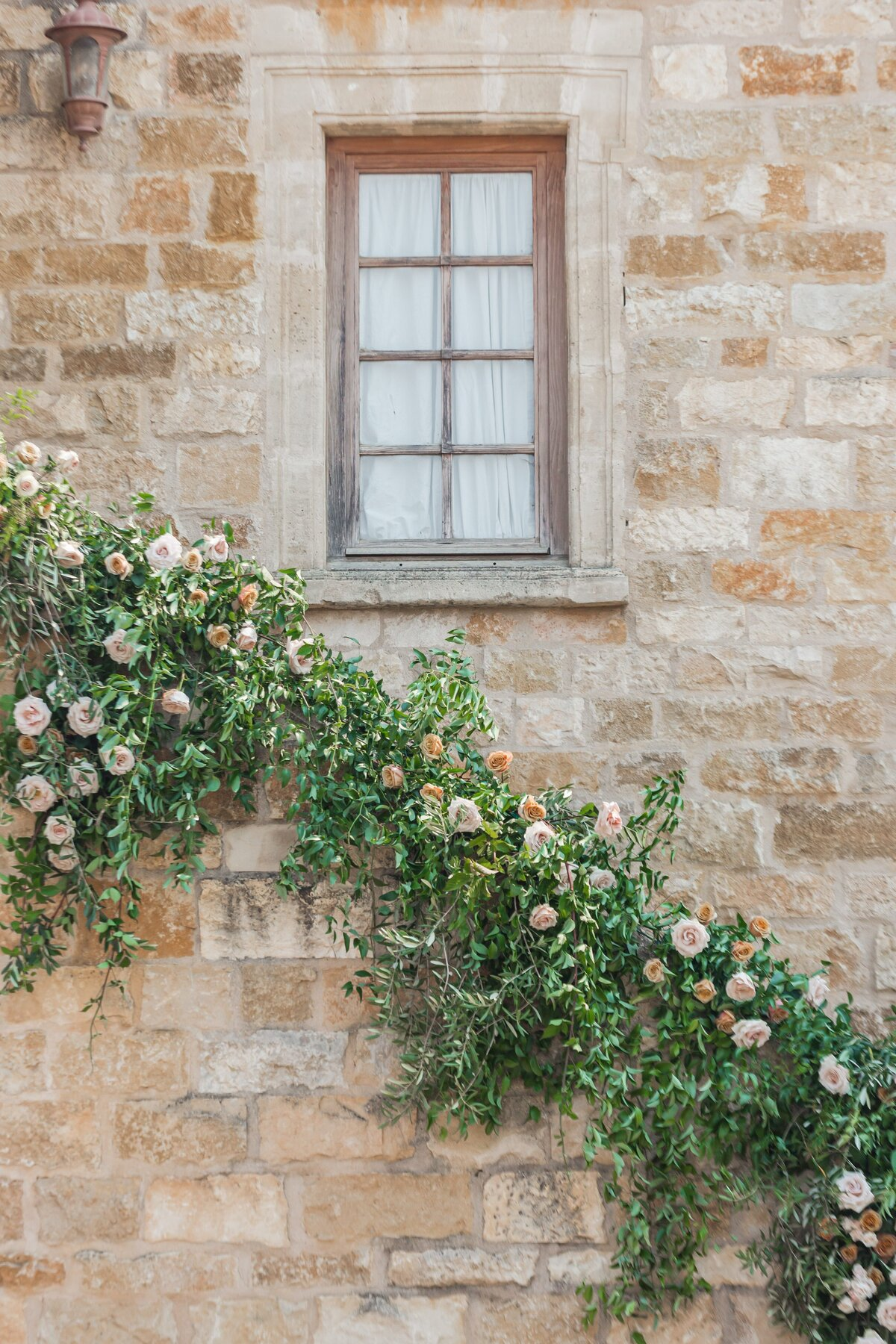 Kelli-Bee-Photography-Blog-Sunstone-Winery-Villa-Styled-Wedding-0070