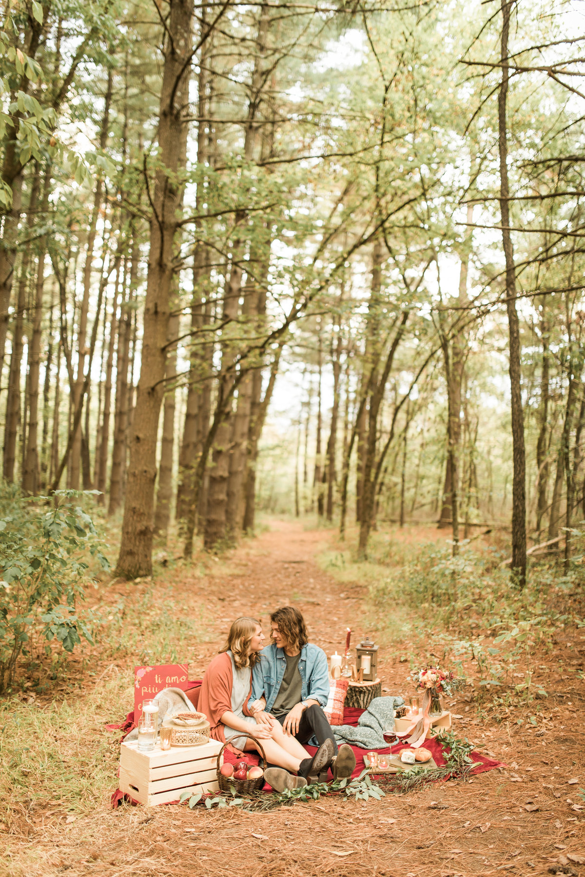Busch Wildlife  Defiance, MO  Fall Picnic Colorado Themed Surpise Proposal  Cameron + Mikayla  Allison Slater Photography283