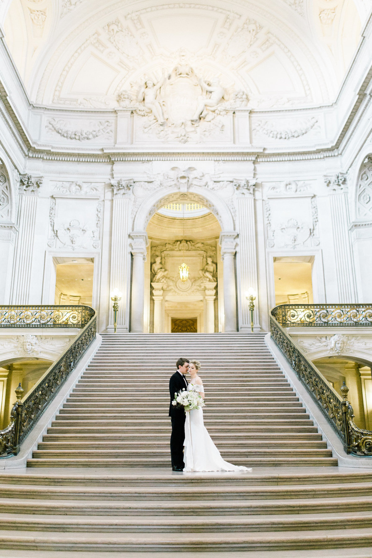 SanFranciscoCityHallWeddingPhotographer_SanFranciscoCityHallWedding_2019-Andrew_and_Ada_Photography-555