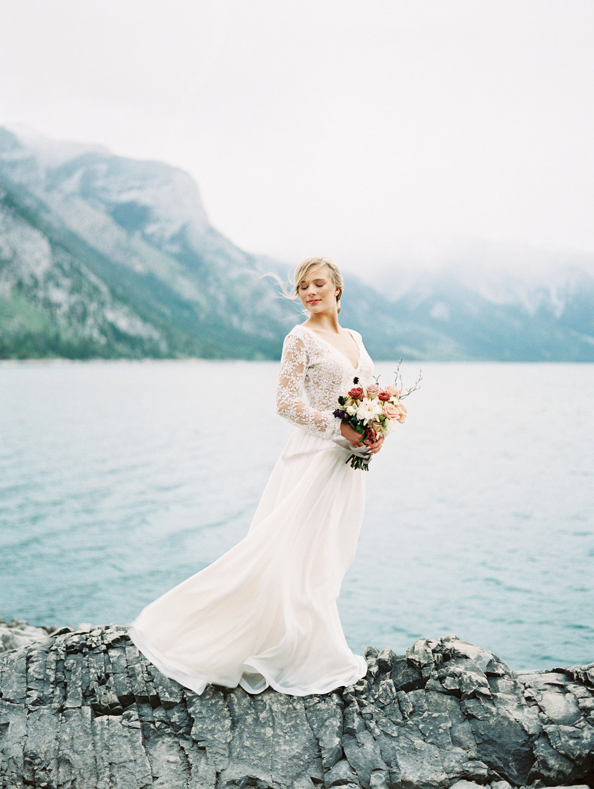 wedding elopement on turquoise coloured lake teryn lee photography