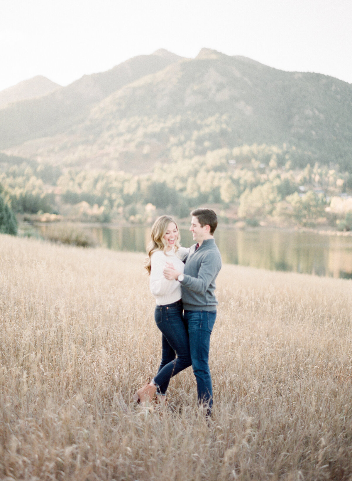 Melissa Brielle Photography Colorado Fine Art Wedding Engagement Photographer Photograph Melissa Minkner Light Airy Luxury High End17