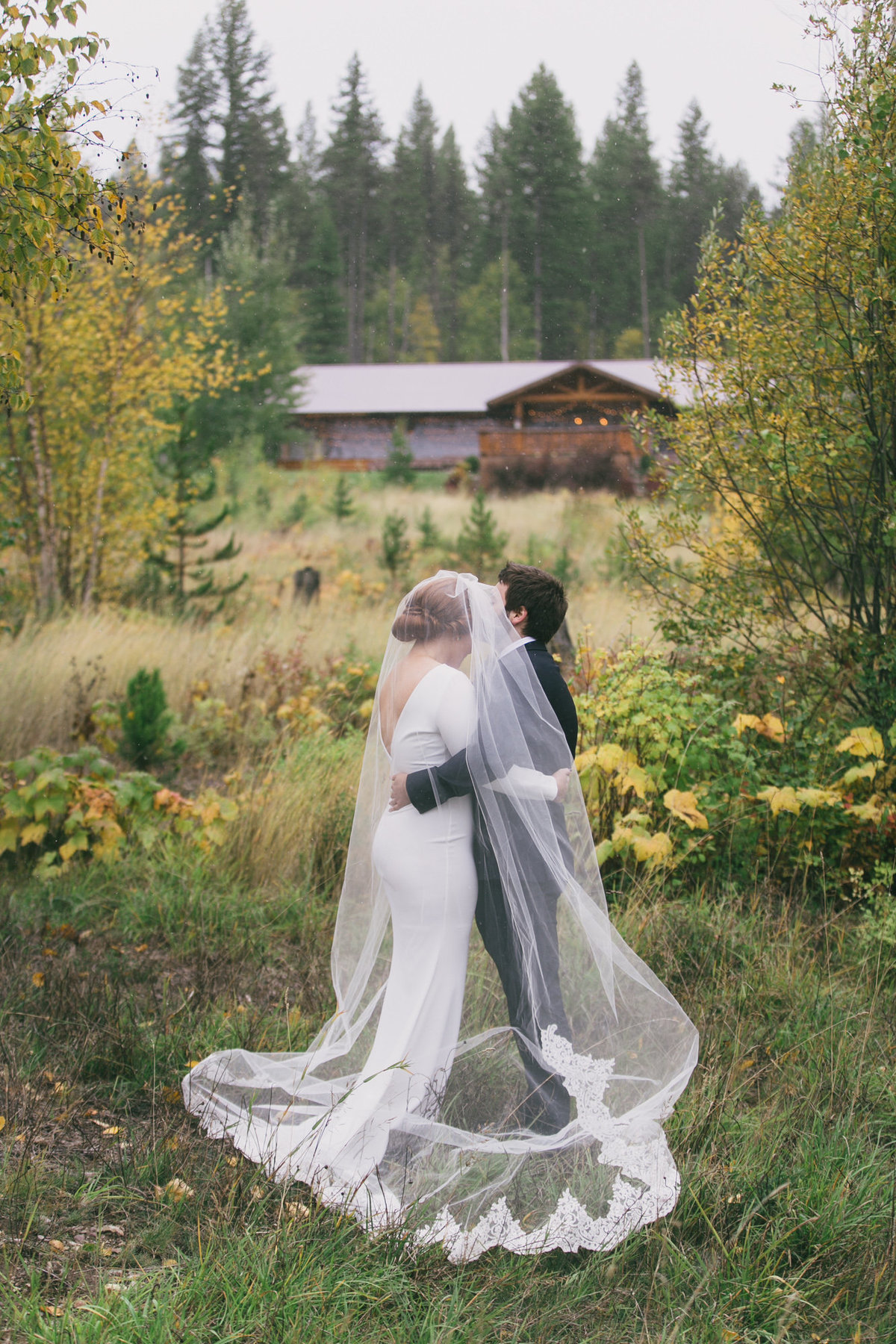 Jennifer_Mooney_Photography_Abbey_Stephen_Fall_Winter_Glacier_Park_Elopement-71