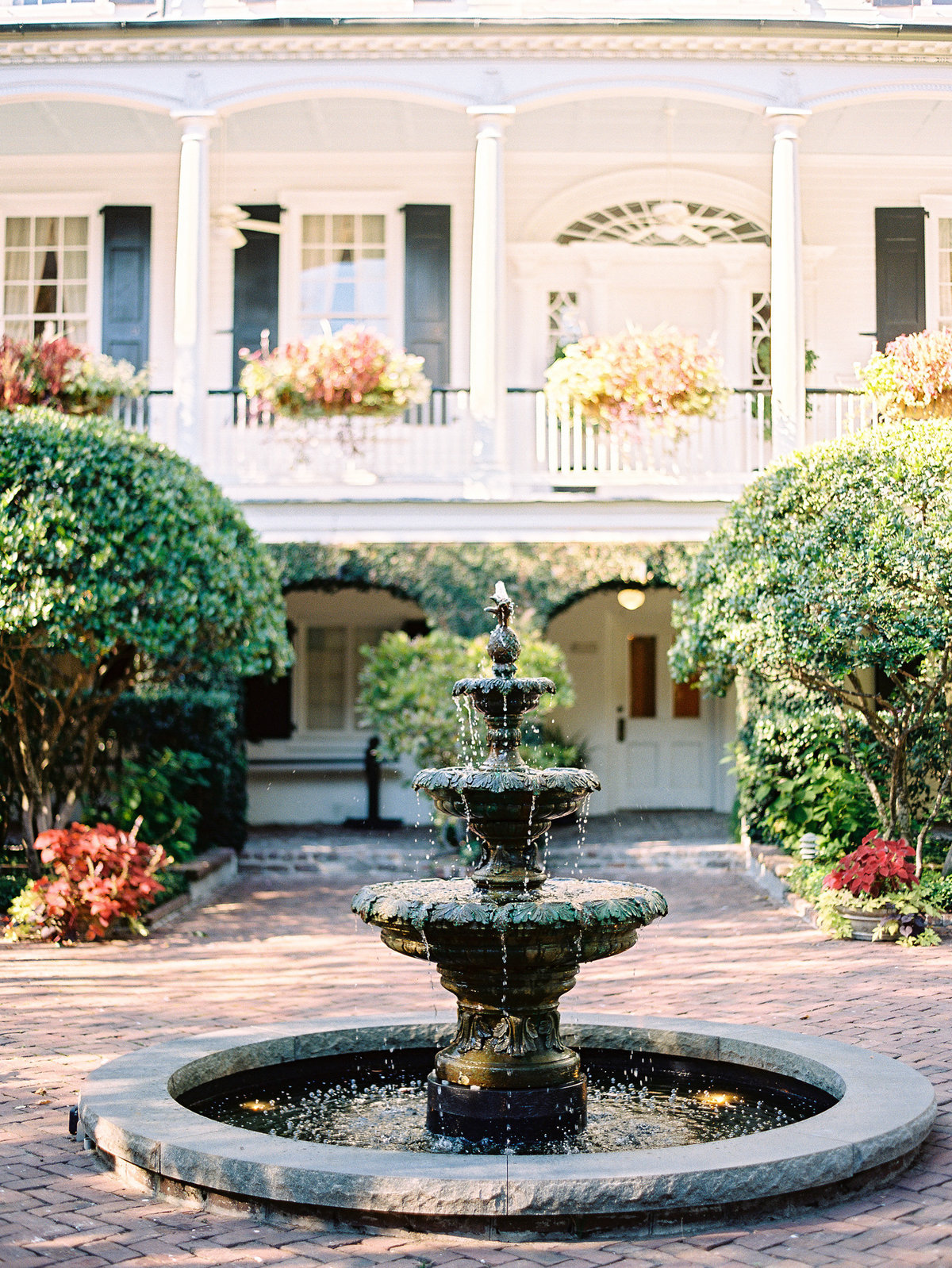 wedding-venues-in-charleston-governor-thomas-bennett-house-philip-casey-12