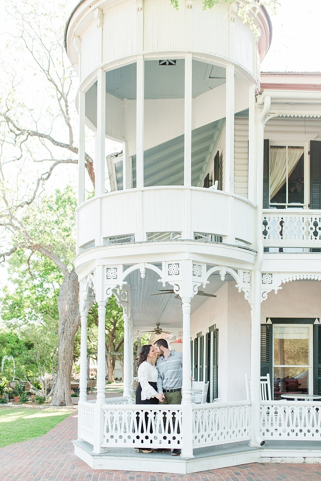 Spring Engagement Photos at Historic Downtown Gruene near New Braunfels, texas_0005