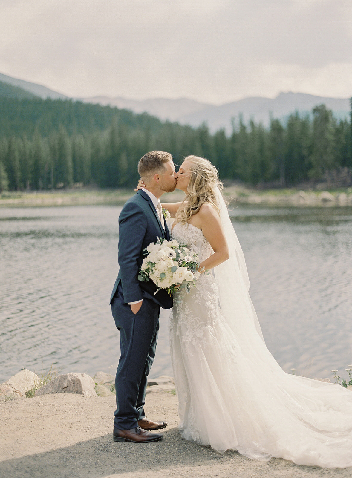 Tear & Tyler. Colorado Wedding by Alp & Isle. First Look-16
