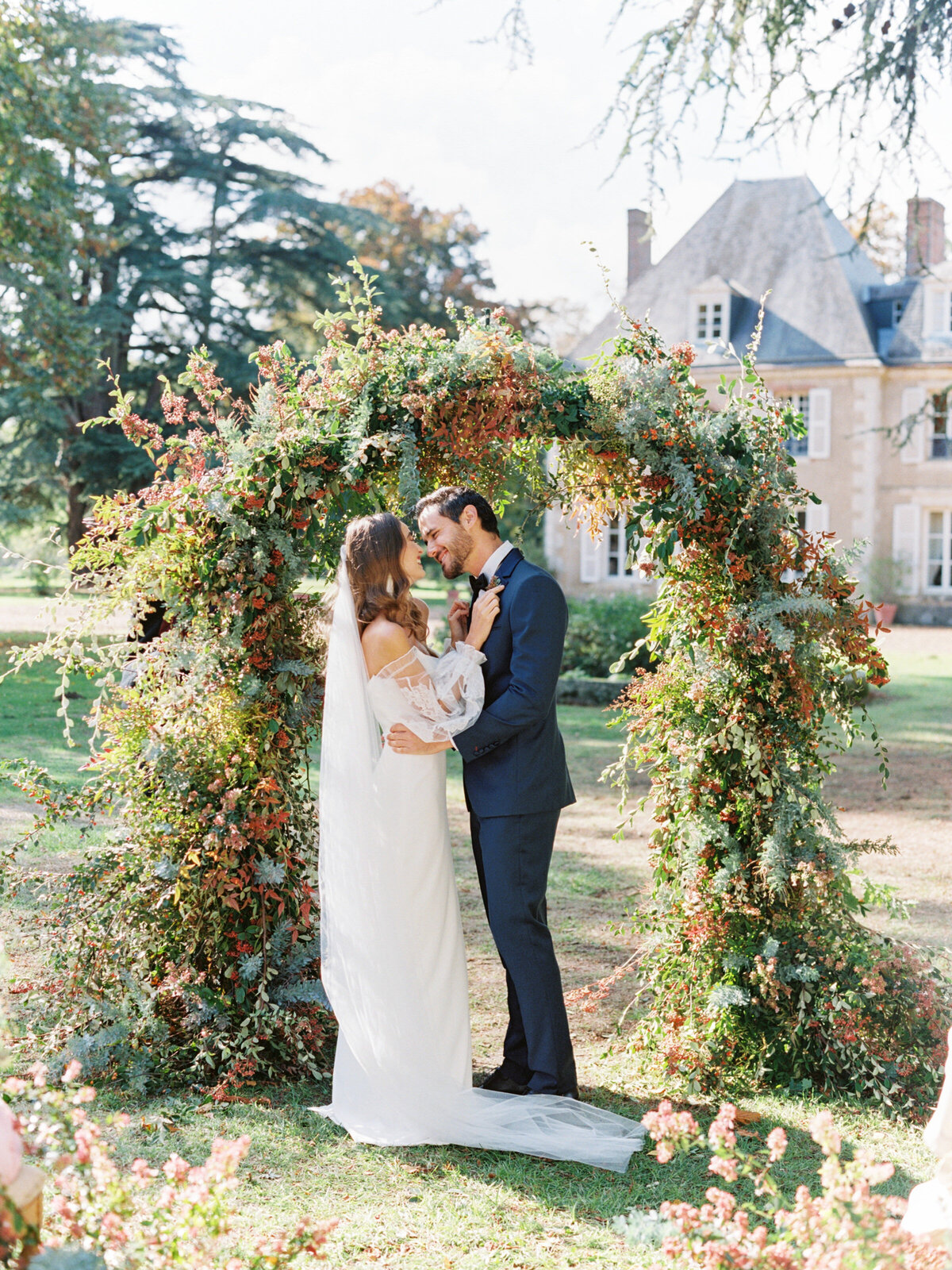 chateau-bouthonvilliers-wedding-paris-wedding-photographer-mackenzie-reiter-photography-92