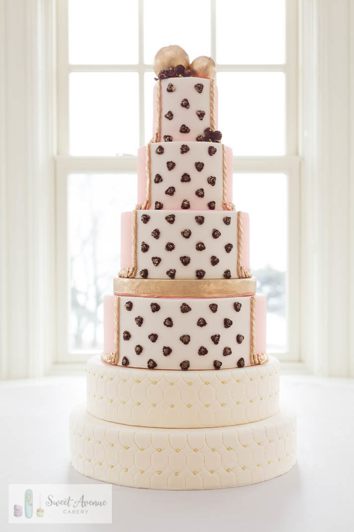 vintage style wedding cake in ivory blush and gold for Paletta Mansion wedding, Hamilton ON wedding cakes