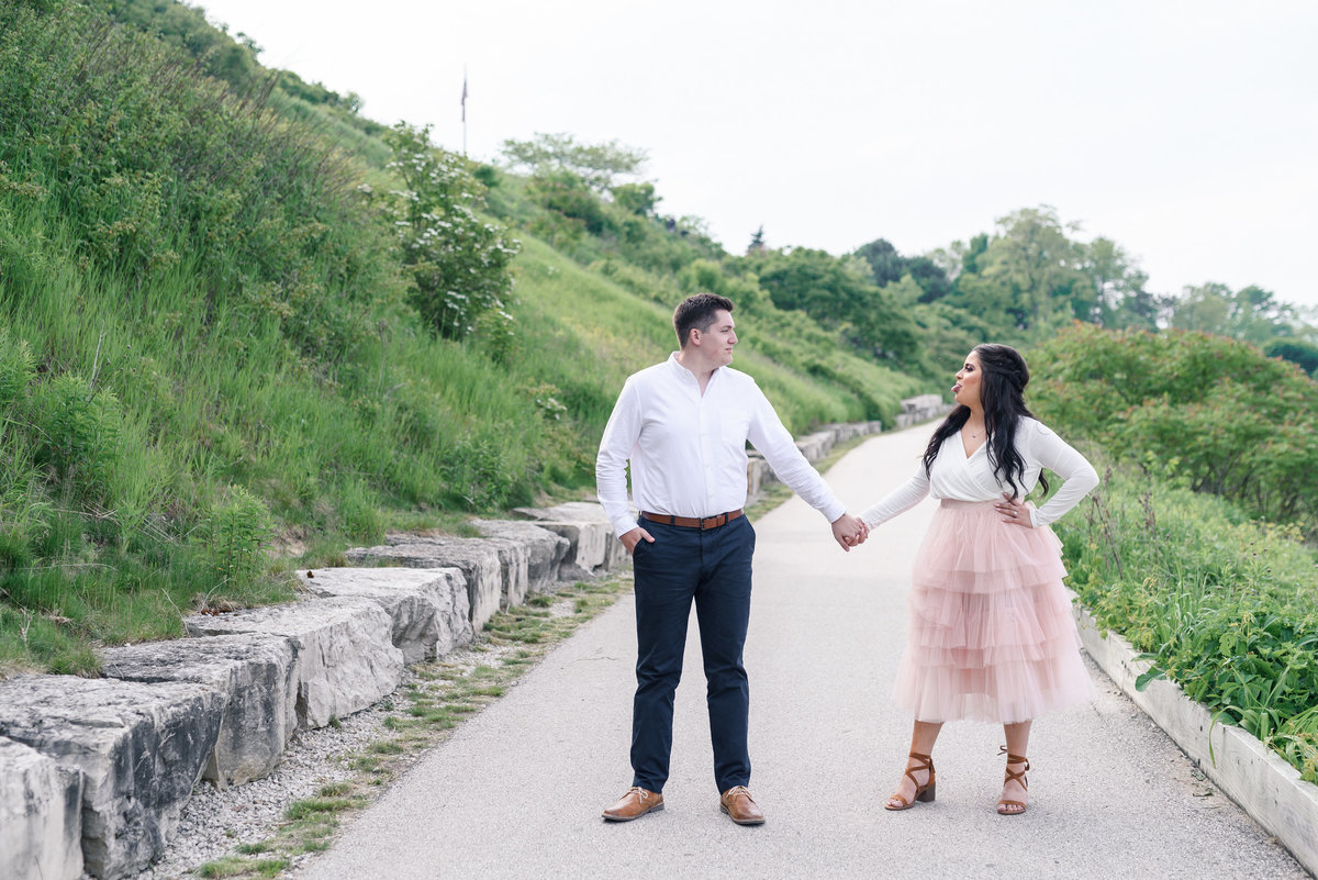 atwater-beach-engagement-milwaukee-the-paper-elephant-014