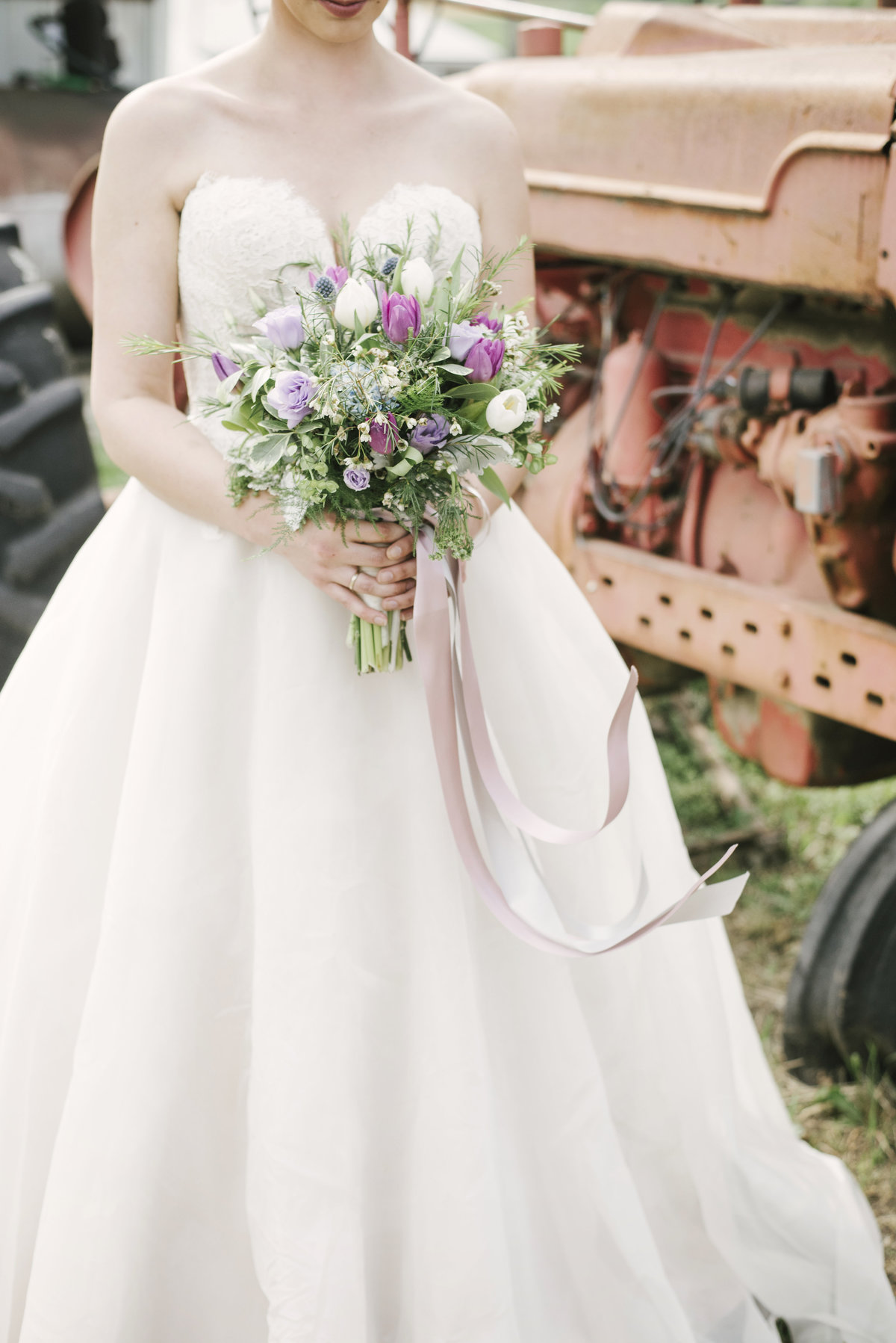 Monica-Relyea-Events-Alicia-King-Photography-Globe-Hill-Ronnybrook-Farm-Hudson-Valley-wedding-shoot-inspiration39