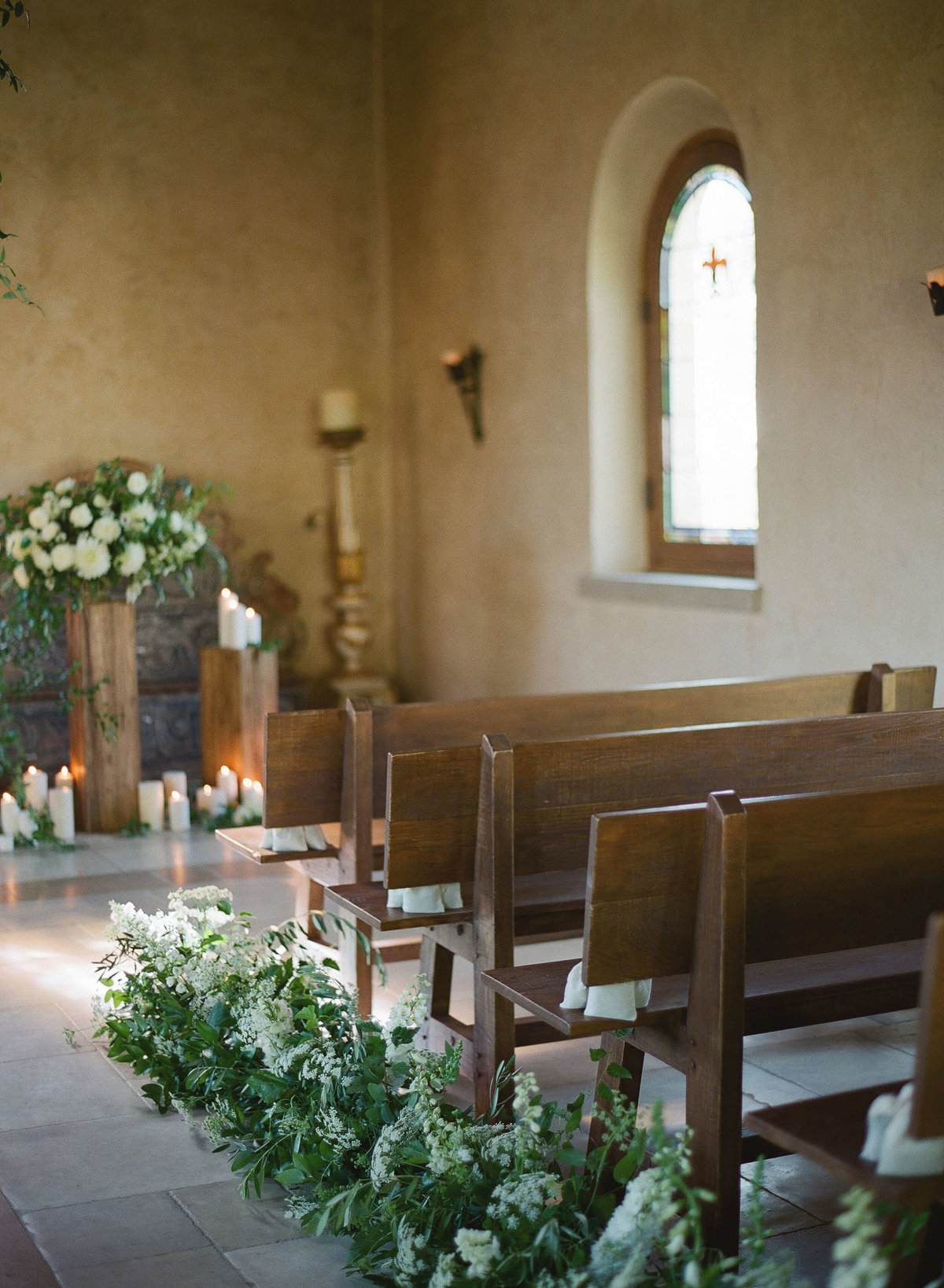 5-KTMerry-weddings-Cal-a-Vie-french-chapel